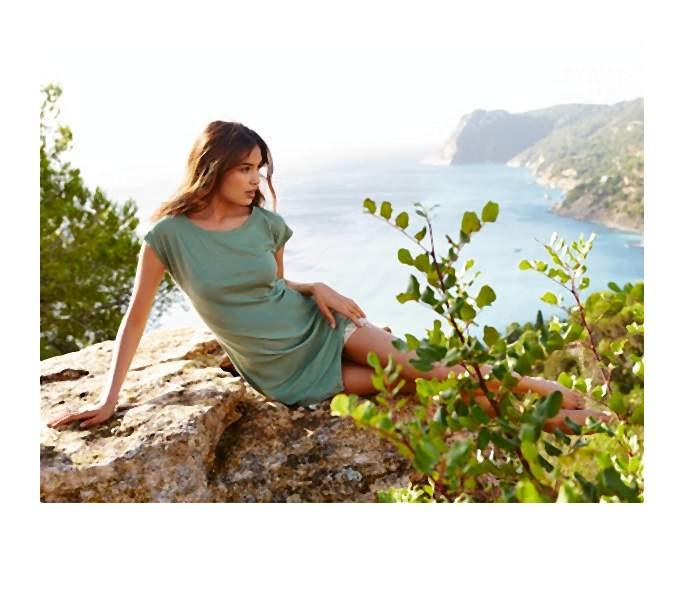 Kolekcja na lato. Słońce południowej Europy, śródziemnomorska bryza, lazurowe wybrzeże